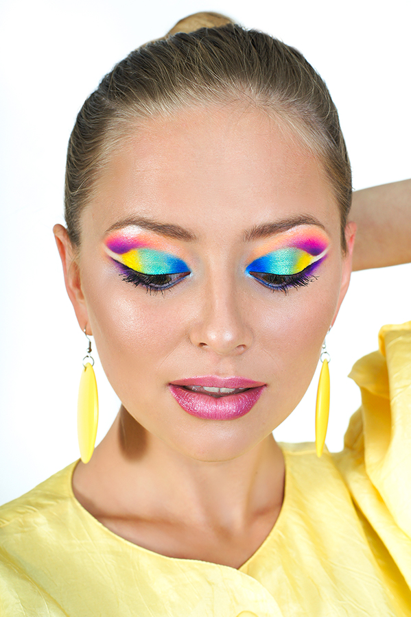1990s Style Makeup