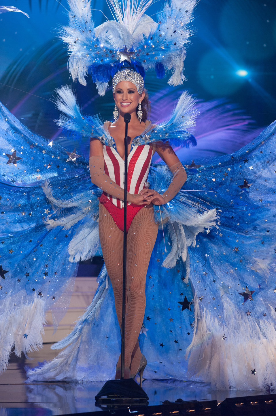 Miss Universe 2015-Costume Nationale