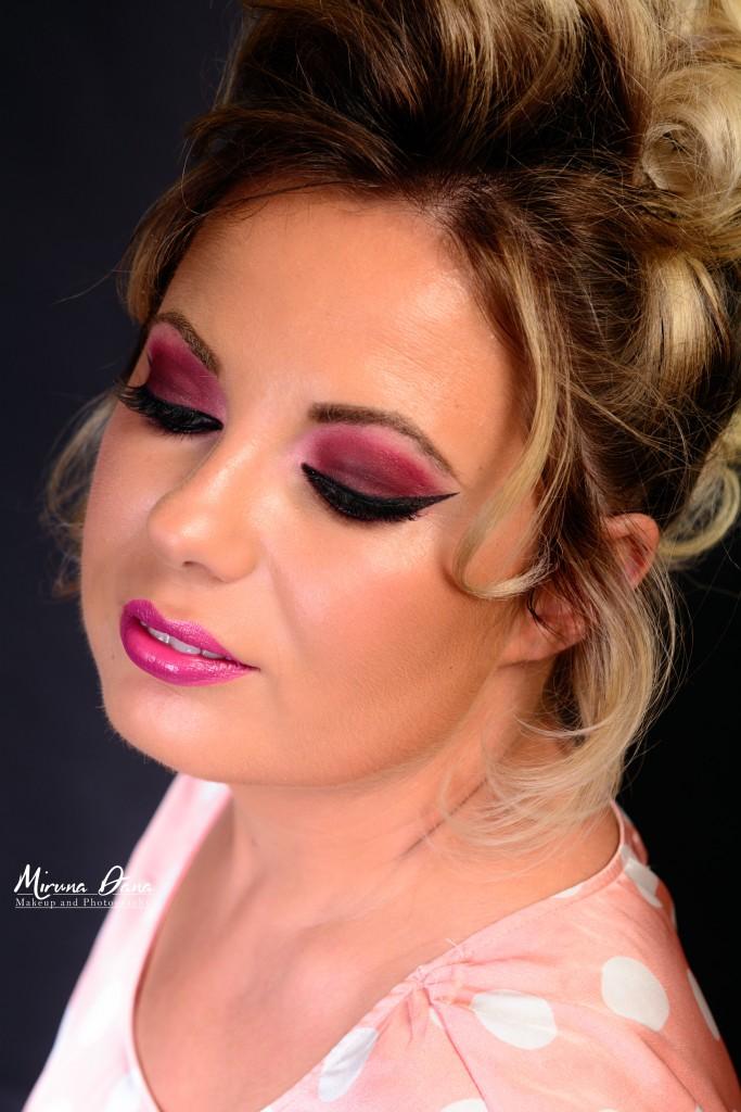 Roxana cu un machiaj realizat cu produse Make Up For Ever
